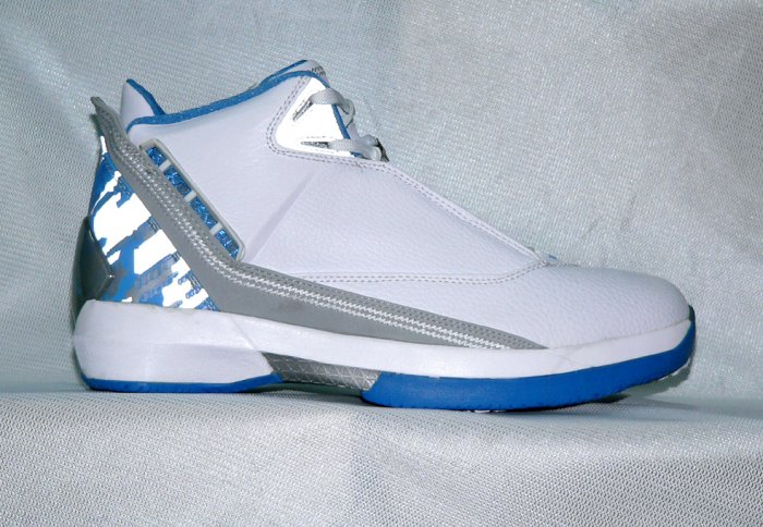 Mens Jordan XXII in White/Blue/Grey
