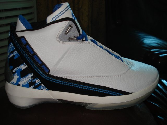 Mens Jordan XXII in Black/Blue