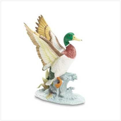 Mallard Landing in Lake Figurine - 37446