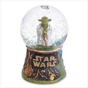 Master Jedi Yoda Mini Snowglobe - 37355