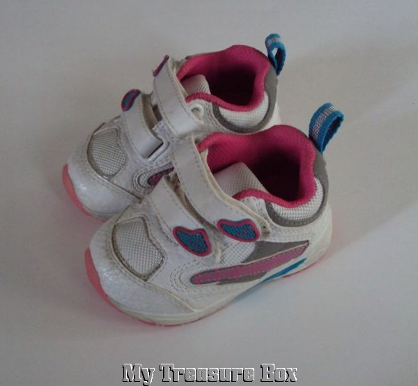 Athletic Works ~ Adorable Sneakers Size 3 Girls