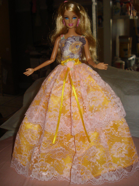 Silkstone Barbie formal in beautiful Bright Yellow - ef04