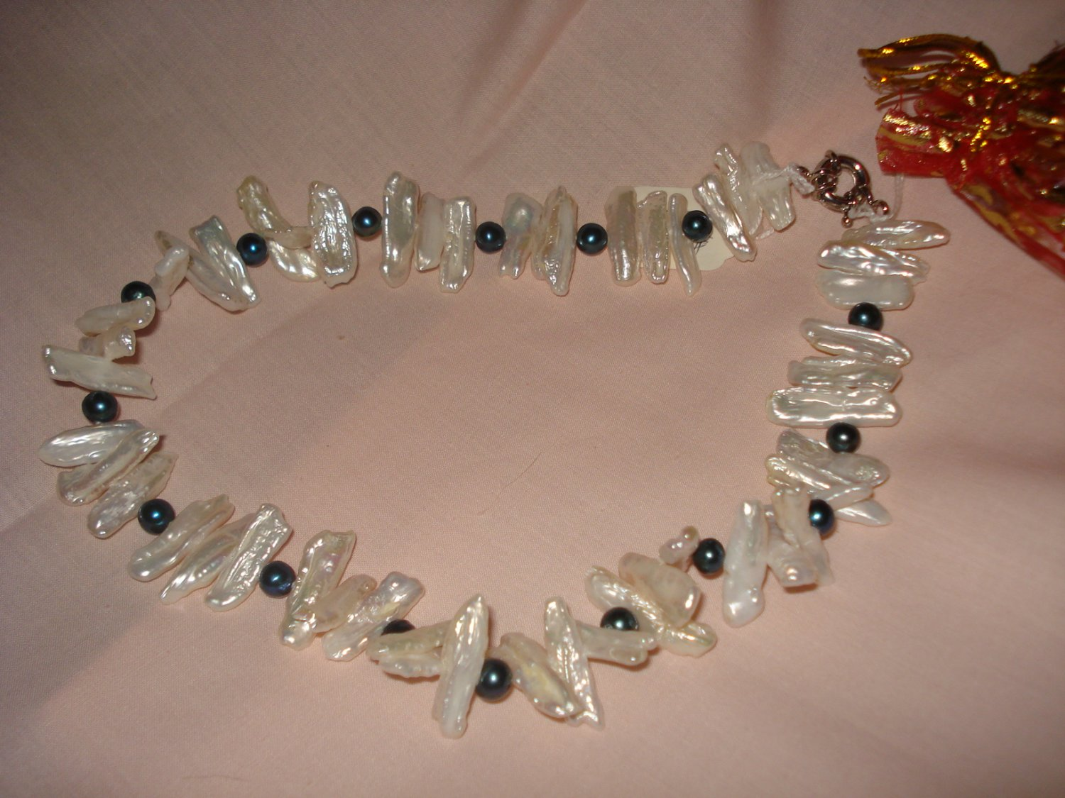 Handmade long white and round balck pearl 18-inch necklace - eg11
