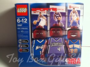 LEGO 3567 NBA 3 pk Sacramento, Orlando Magic, New York Mini-Figures Stand Trading Cards