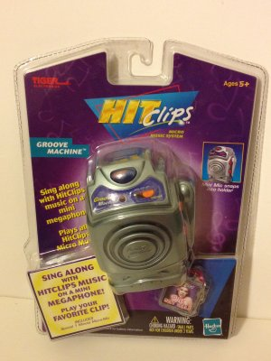 Groove Machine HitClips Mini Mic& Megaphone Pink �Most Girls� Sing Along Hit Clips TigerHasbro