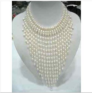 Stunning white Pearl & Crystal Necklace free shipping