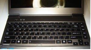 New Toshiba Portege Z835-P330 Keyboard Replace key & clip Authentic