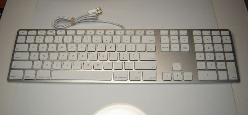 genuine apple mac mb110ll b a1243 wired usb keyboard. Black Bedroom Furniture Sets. Home Design Ideas