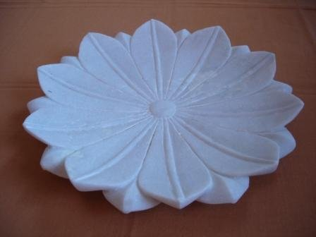 P041-LOTUS PLATE-12 INCHES