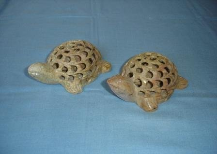 Article Piece T052-PAIR OF CARVED TURTLES (5X2)