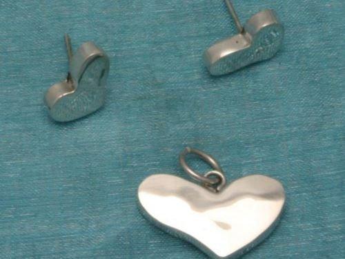 Sterling Silver Heart Stud Earrings & Pendant Set .925