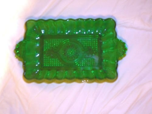 LOVELY VINTAGE GREEN CANDY DISH (B1)