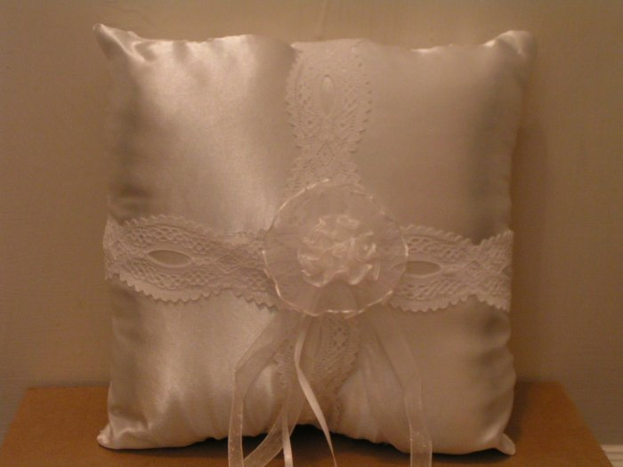 WEDDING/RING PILLOW - FREE SHIPPING