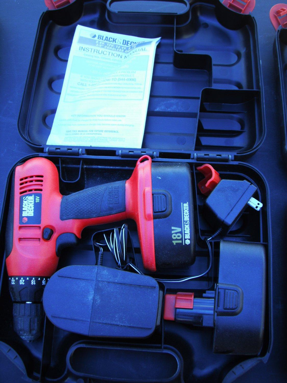 Black & Decker 18v Cordless Drill/Driver Kit CD1800