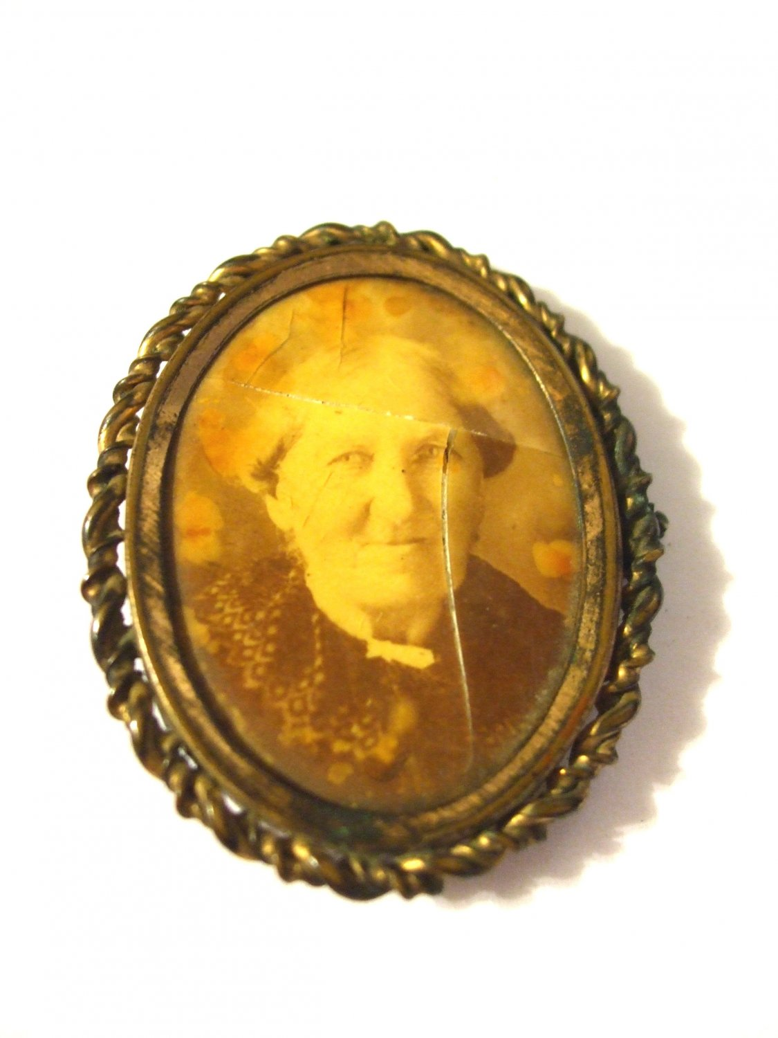 Antique Mourning Pendant with Picture of Elderly Woman Date on back May 31, 98