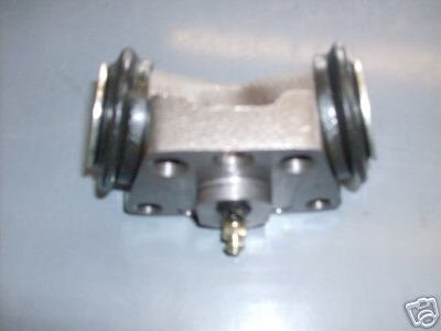 Hyster Forklift Wheel Cylinder Part #1358218