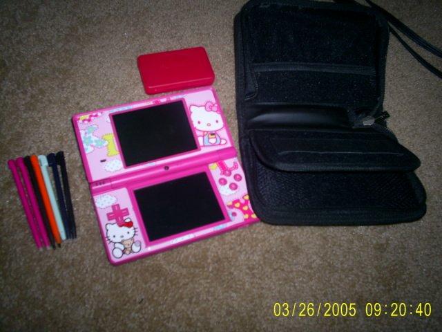 Pink Hello Kitty Nintendo DSI