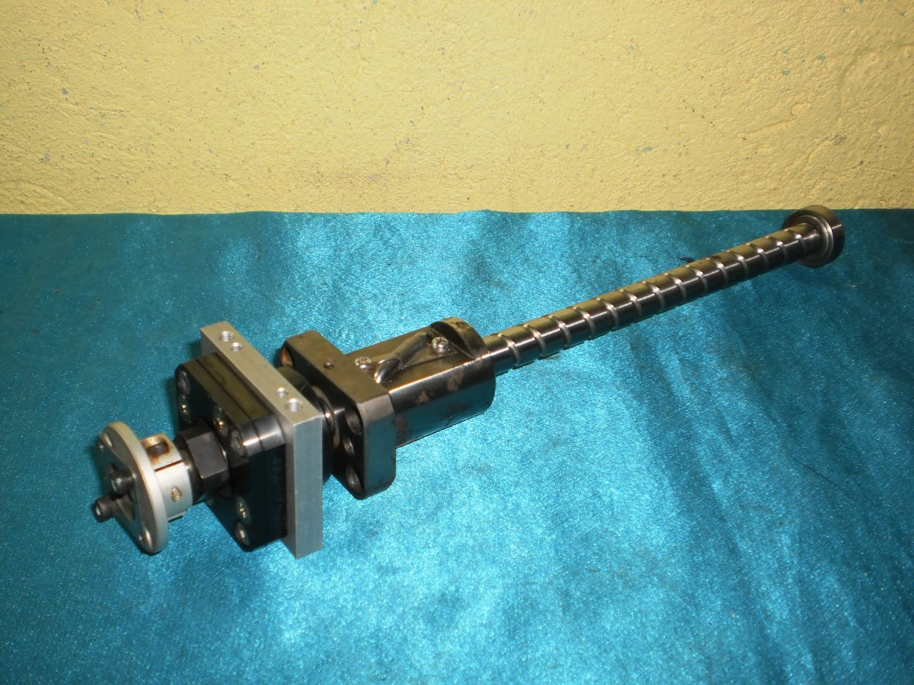 NSK W1202FA-6-C5T 28cm Lead Screw