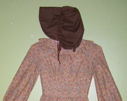 Dress-Colonial Style with Bonnet - Size 8 - Vintage