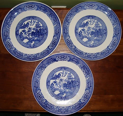 Blue Willow China - Homer Laughlin 17 Piece Assortment