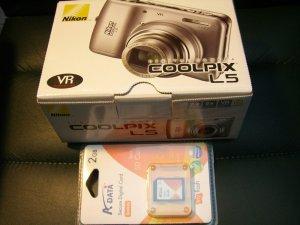 New Nikon L5 Digital Camera + 2gb