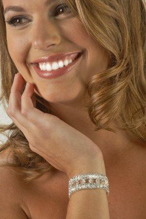 Diamond Pattern Rhinestone Bracelet