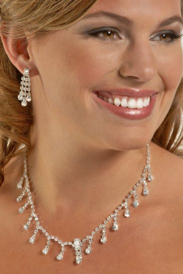 Swarovski Crystal Delicate Drops Necklace Set