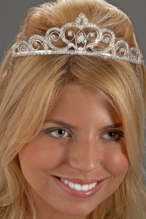 Graceful Heart Rhinestone Tiara