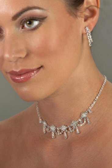 Swarovski Crystal 5-Drop Necklace Set