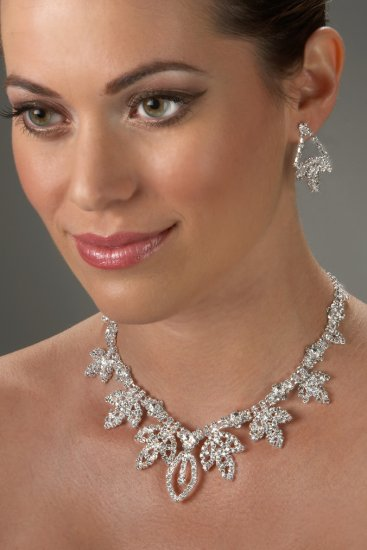 Regal Rhinestone Necklace Set