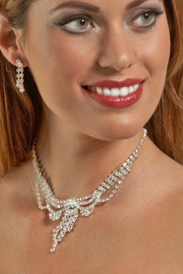 Victorian Inspired Rhinestone Necklace Set