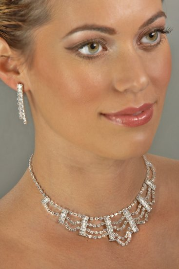 Layered Rhinestone Necklace Set