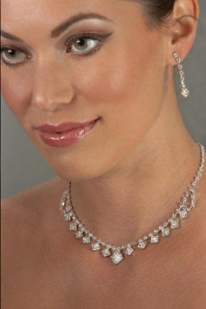 Diamond Drops Rhinestone Necklace Set