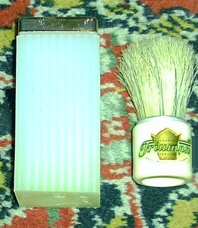 VULCANIZED TRIUMPH SHAVING BRUSH made in CZECHOSLOVAKIA
