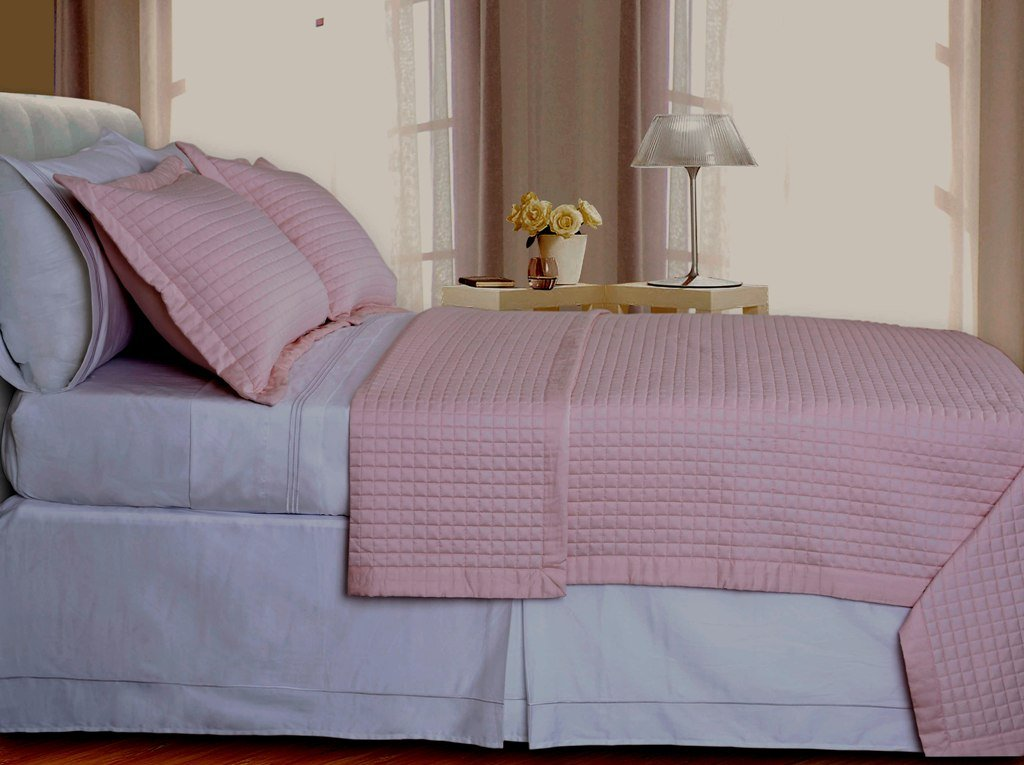 Blush/Pink Checkered Coverlet Set Egyptian cotton 400 Thread count Reversible