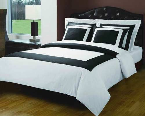 Down Alternative Bed in a bag Queen Size Black & White