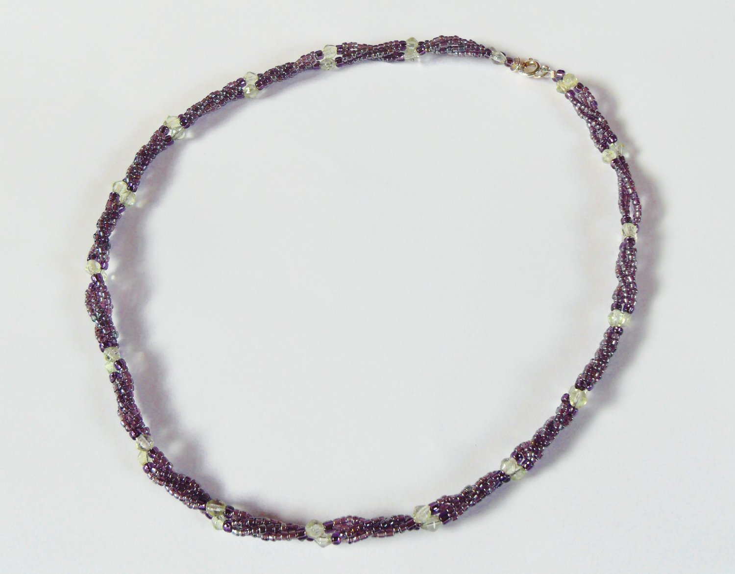Light purple and light green twisted necklace