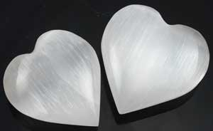 """White Selenite Heart 1 1/4"""" - 2"""" - GHSELW"""