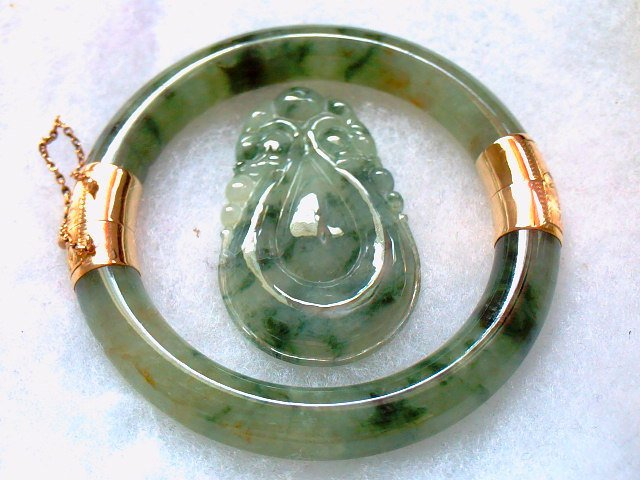 Vintage 14K Hinge Translucent Green Jade with Veining Bracelet & Match Certified Pendant