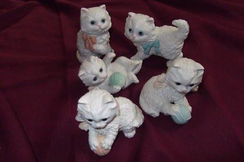 HOMCO Kitten Figurines LOT (5) Ceramic Yarn Ball---CUTE