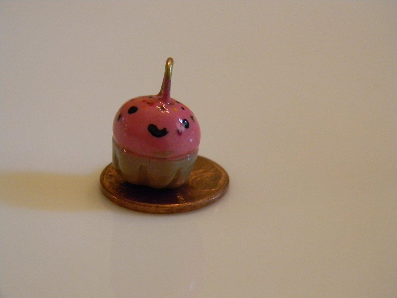 Smiley Cupcake Charm