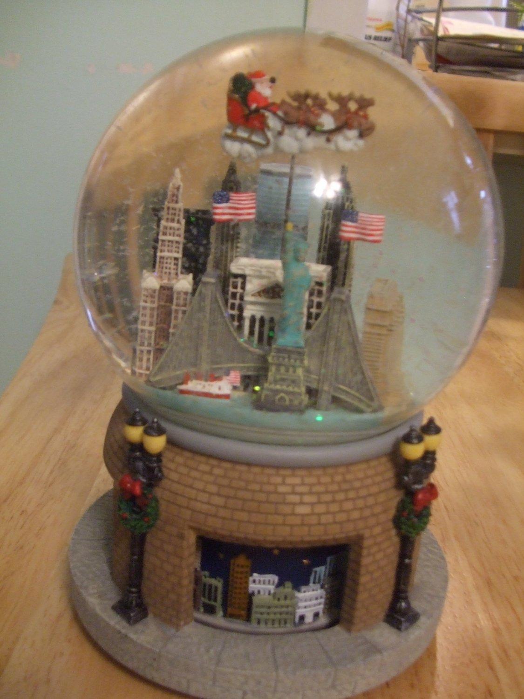 Christmas City Snow Globe