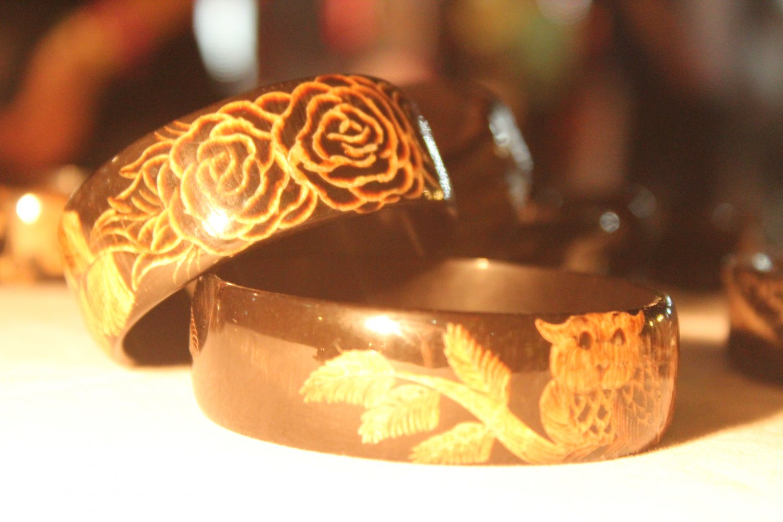 Horn carving bracelet