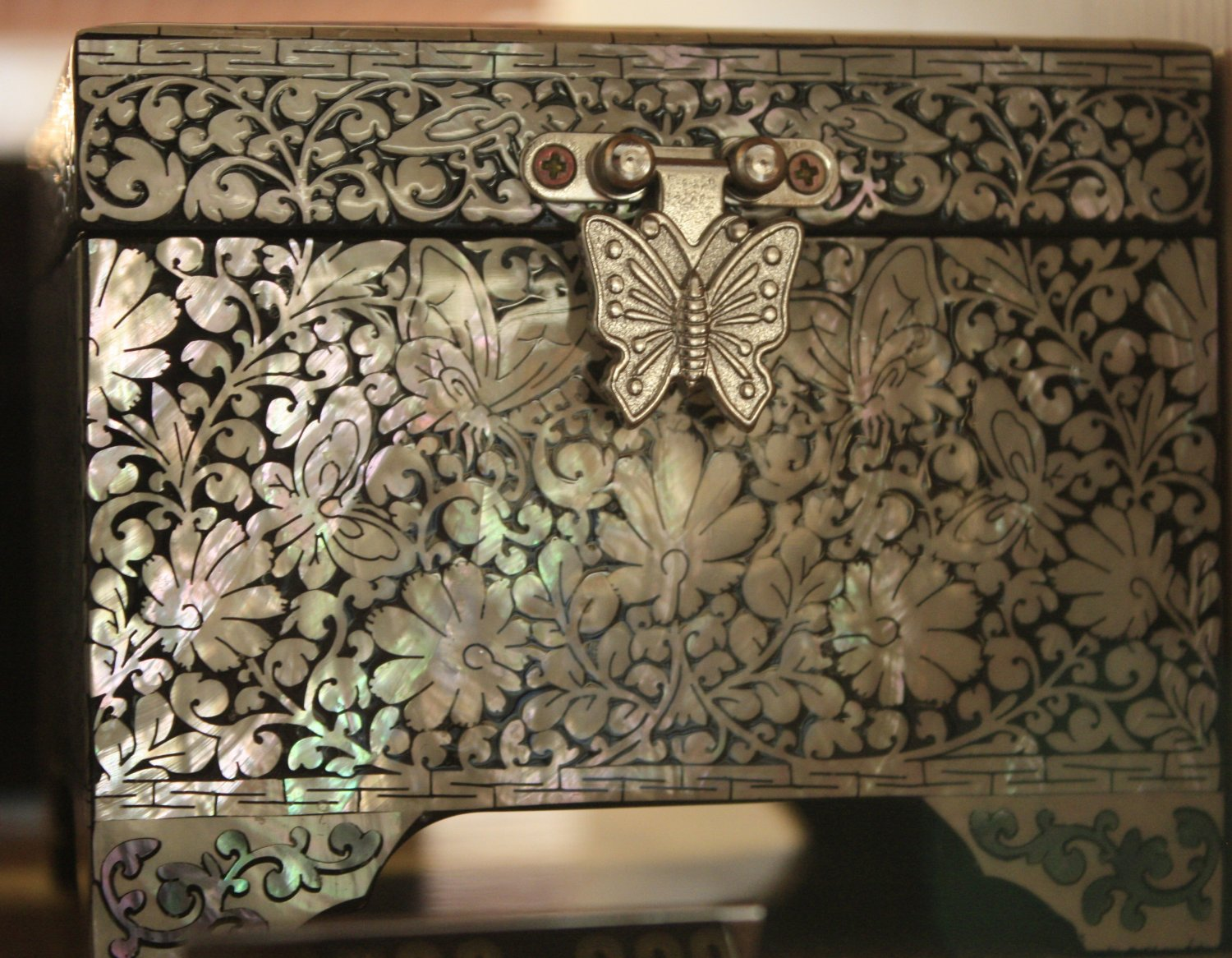 Korean Court Luxurious Jewelery Box with Butterfly Design (Small)