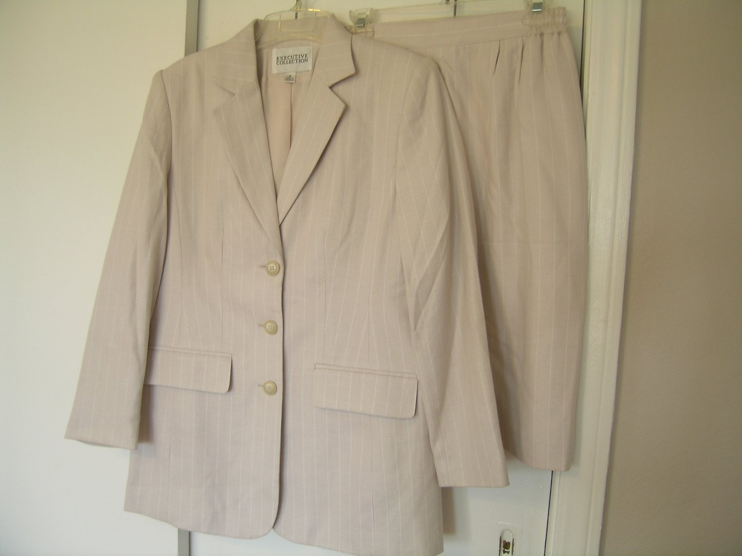 Executive Collection Ladies Skirt Suit Size 8