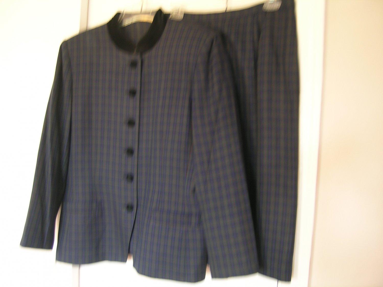 Le Suit Ladies Skirt Suit Size 12