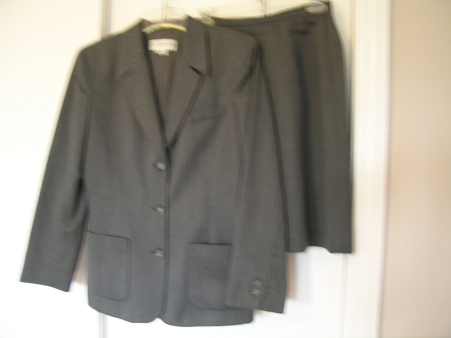 Liz Claiborne Collection Ladies Skirt Suit Size 6 6P