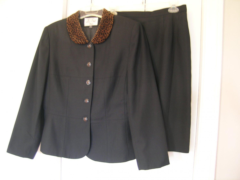 Le Suit Petite Ladies Skirt Suit Size 12P