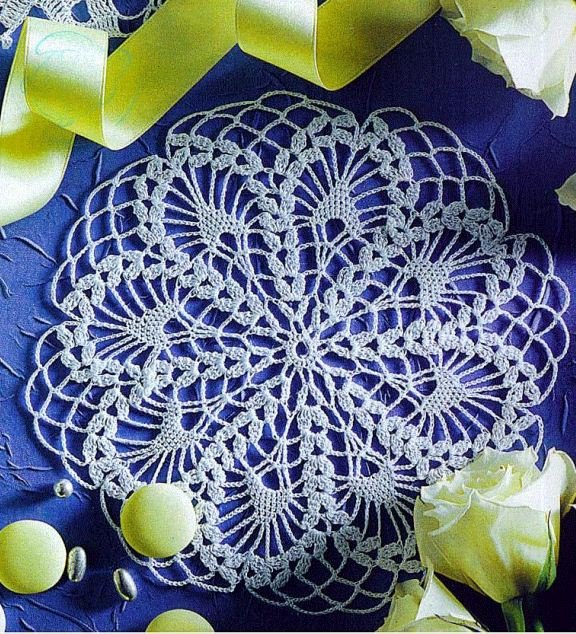 Side tables Crochet Doilies