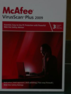 McAfee® VirusScan� Plus 2009 w/SiteAdvisor�, 3 Users + free 2012 upgrade